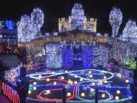 rock n roll christmas light display in new zealand puts