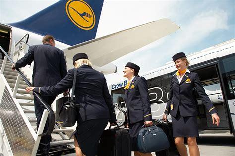 lufthansa cabin crew flugbegleiter wir gehen auf keinen fall in die verl 228 ngerung
