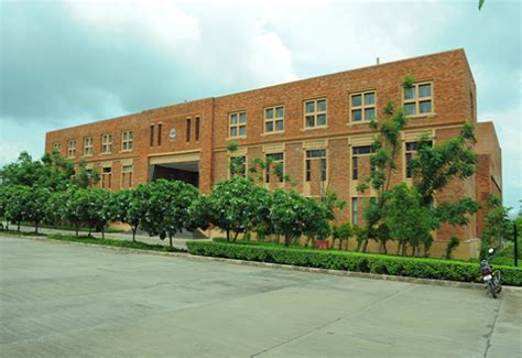 Fees Of Mba Colleges In Nagpur by Fees Structure And Courses Of Institute Of Management