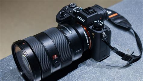 best sony mirrorless the sony a9 inches the mirrorless market forward