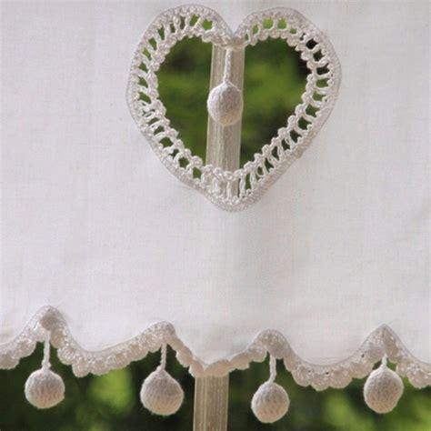 Rideau Avec Coeur by Rideau Brise Bise Blanc Avec Pompons En Crochets Les