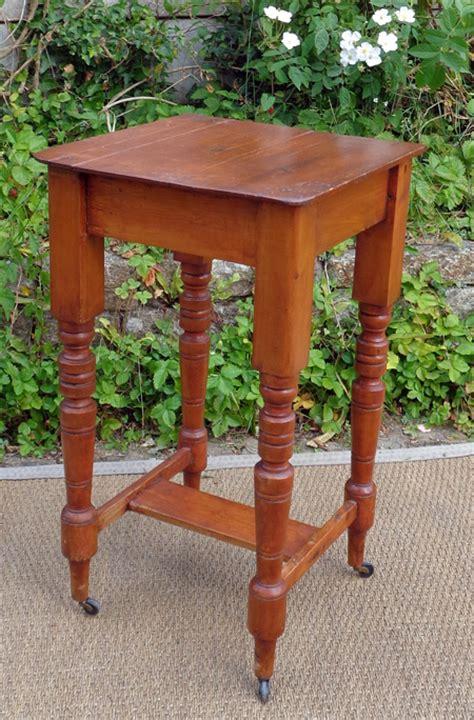 table de nuit en anglais finest table de chevet en anglais with table de chevet anglais