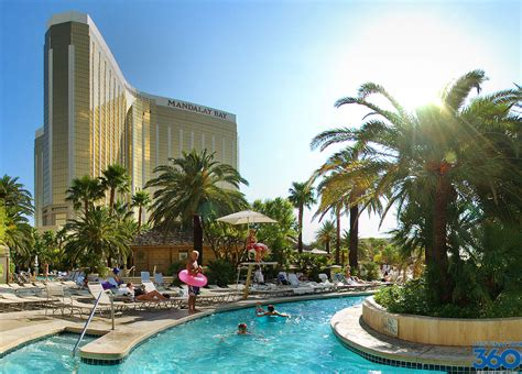 friendly hotels las vegas las vegas family hotels hotels with pools rides and family attractions