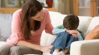 madre llora cuando su hijo la coge mejor conjunto de frases 161 cuidado padres perfeccionistas podr 237 an criar hijos
