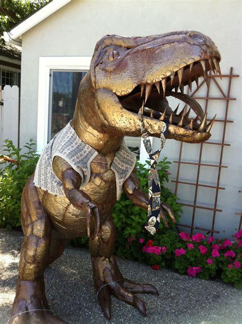 lawn dinosaur   owners legends