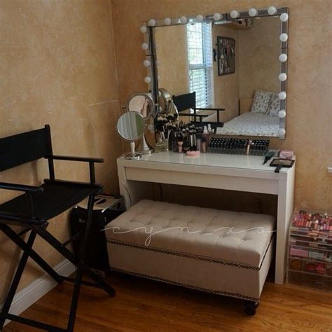 Vanity Bench With Storage Use A Storage Bench For Your Vanity Make Up Vanity Sounds Practical And Comfy Makeup Vanity
