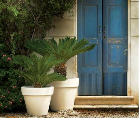 Attractive Large Flower Pots for Outdoors