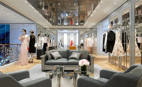 home design stores in london dior unveils london boutique design by peter marino news