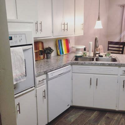 diy repaint kitchen cabinets best 10 repainting kitchen cabinets ideas on
