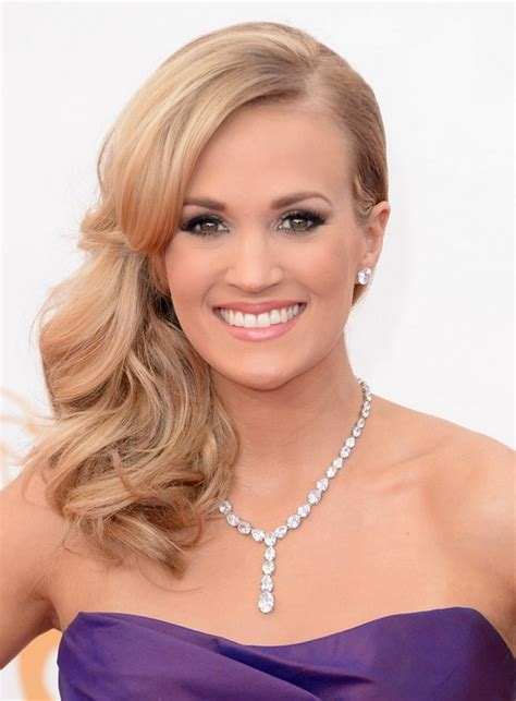 shoulder sweep haircuts women carrie underwood hairstyles celebrity latest hairstyles 2016