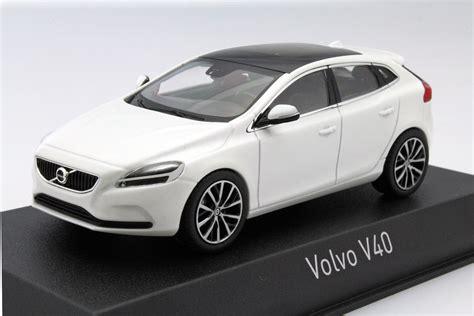 white volvo v40 volvo v40 2016 white metallic die cast model