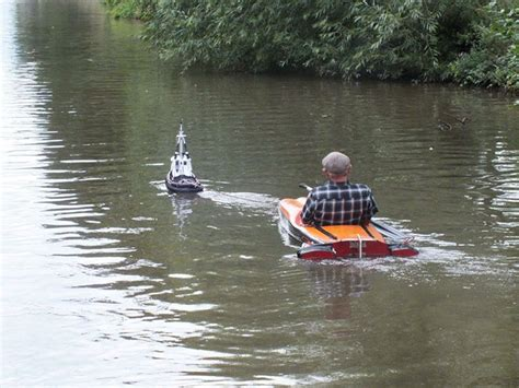 rc tug boat man spotted using tiny tug boat to effortlessly cruise