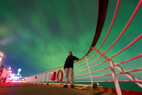 hurtigruten excursions northern lights hurtigruten extends its northern lights promise world of