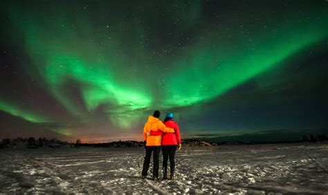where to northern lights midnight the northern lights in canada travellers