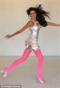 Kendall jenner perfects her model strut at prom dress designer sherri