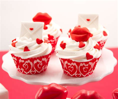 valentines cakes valentines day shaped cupcakes cake pictures