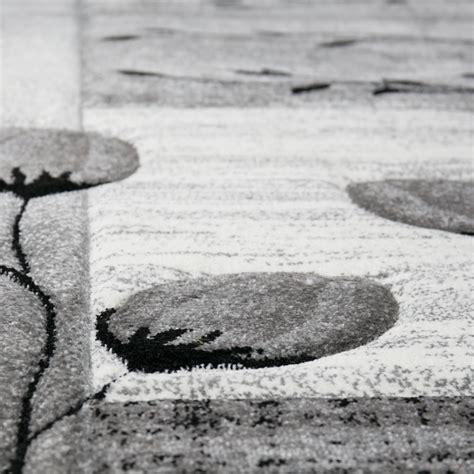 teppich schwarz wohnzimmer teppich grau schwarz creme mit blumen und