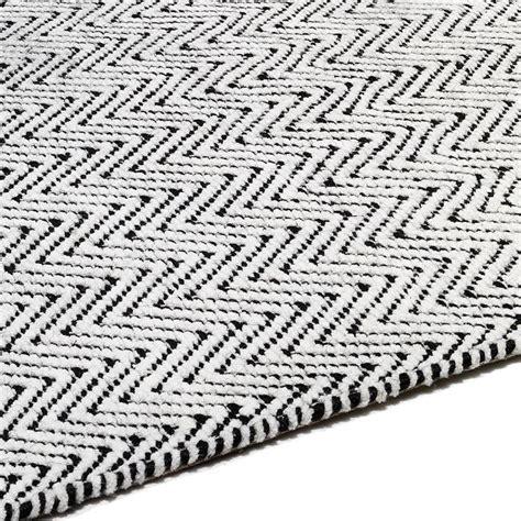 10 x 14 black and white rug ives rug black white flatweave rugs in herringbone design