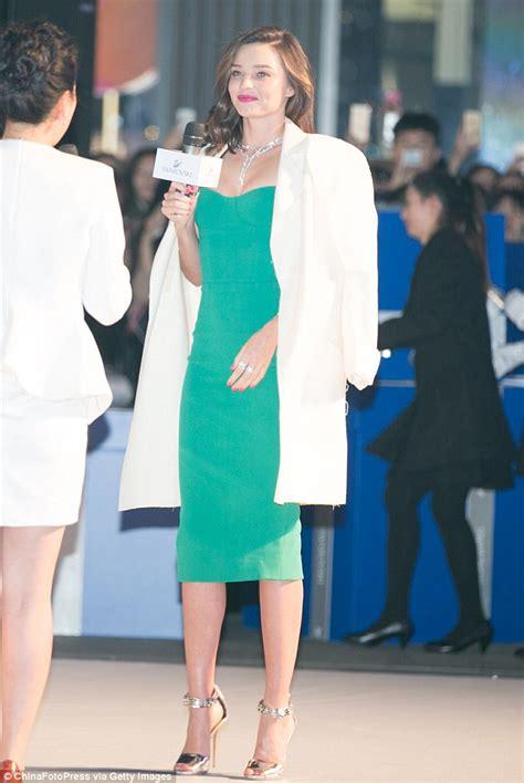 Blazer Miranda Kerr miranda kerr model robes a white blazer shoulders