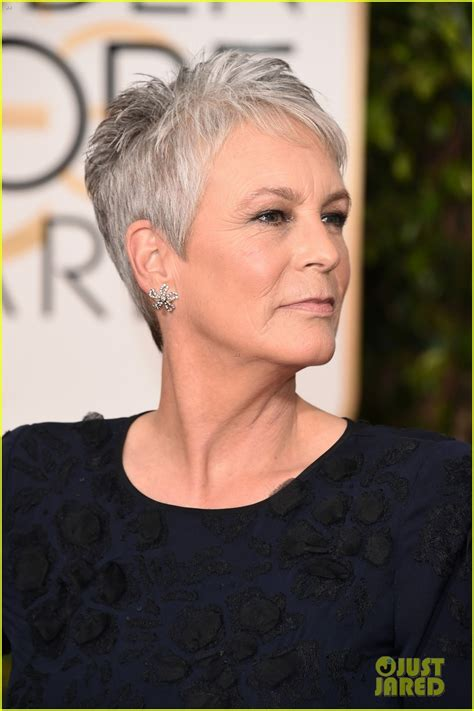 jamie lee curtis jamie lee curtis julia louis dreyfus 2016 golden globes 04