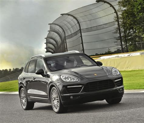 Porsche Cayenne S Probleme by Porsche Cayenne Panamera Recalled For Potential Engine