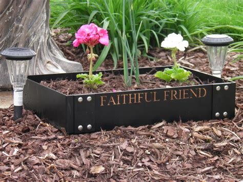 Pet Memorial Garden Ideas Pet Memorial Planters Faithful Friends Pet Memorials