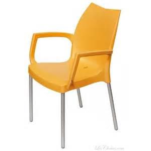 Chaise De Bureau Beige #8: Fauteuil-de-jardin-plastique-design-tulip-b.jpg
