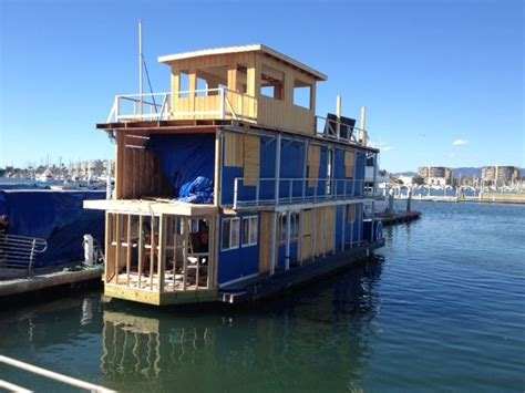 floating boat house 761 best images about floating houses plywajace domy on pinterest houseboat