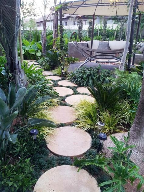 Backyard Stepping Ideas by 15 Creative Stepping Paths That Will Make Your