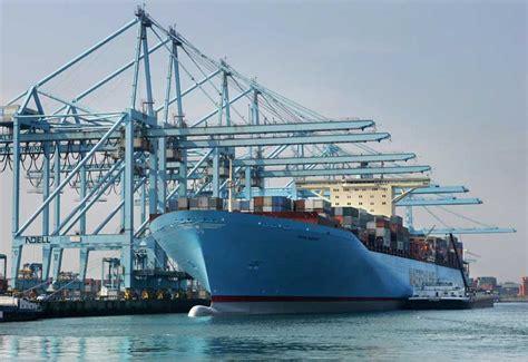 boten in rotterdamse haven el puerto de rotterdam holanda mar y gerencia
