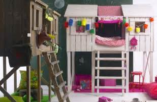 Bunk Bed Tree House Treehouse Loft Bed Bunk Bed Playhouse Style Loft Bed With Enclosed Top Bunk White
