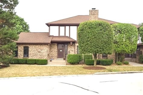 Houses For Sale In Palos Heights Il by Homes For Sale In The Willow Wood Villas Subdivision