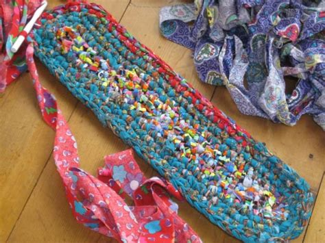 how to make a rug out of rags how to make a traditional rag rug homesteading