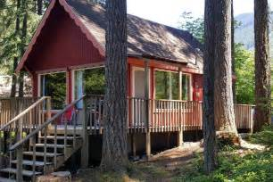 charming cabin by mt rainier cabins for rent in ashford