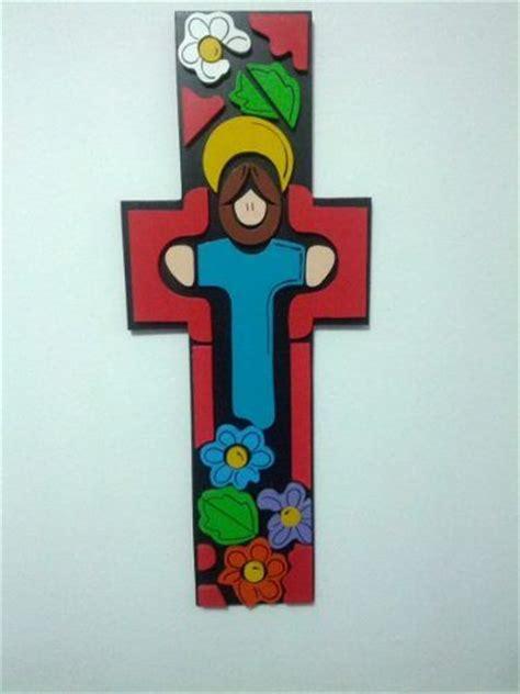 ideas para decorar cruces de madera para baurizo cruces de madera pintadas a mano para ni 241 os buscar con