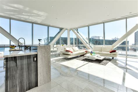 elegant toronto waterfront luxury penthouse  floor
