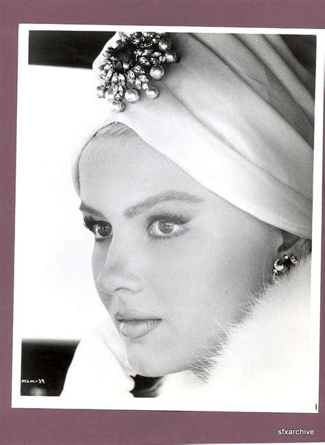 tutorial hijab turban glamour vintage turban vintage 1965 actress pamela tiffin in
