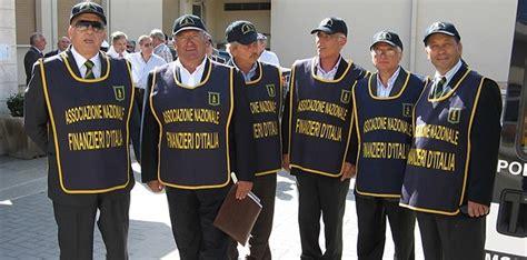 d italia vigilanza taranto vigilanza a scuola arrivano i carabinieri d italia