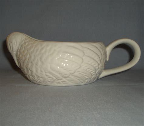 gravy boat shaped like a boat white glazed ceramic thanksgiving turkey shaped gravy boat