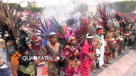 la fiesta de la santa cruz inunda de colorido las calles de valencia fiestas de la cruz en quer 233 taro youtube