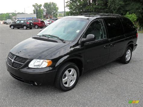 black dodge caravan 2006 brilliant black pearl dodge grand caravan sxt