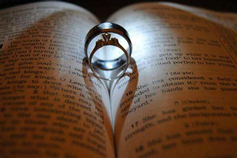 wedding rings with bible leonard