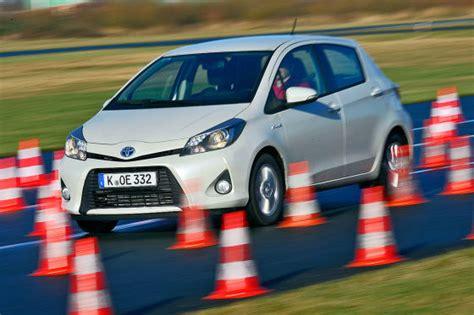 Autobild Yaris Test by Toyota Yaris Hybrid 100 000 Kilometer Dauertest Autobild De
