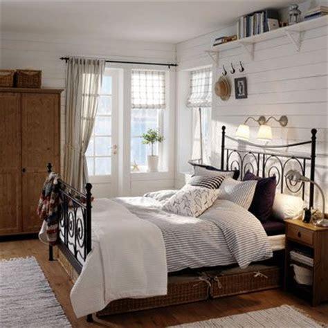 schlafzimmer im landhaus stil schlafzimmer mit metallbett