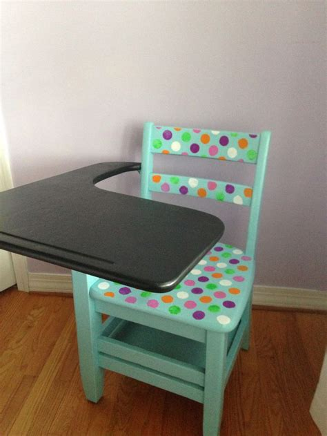 Autobiography Of A School Desk by 1000 Ideas About Painted School Desks On