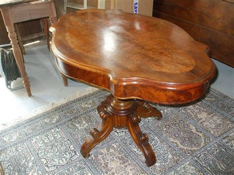 Table Violon by Table Violon En Noyer Vendue Photo De Les Meubles La