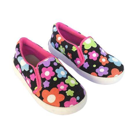 Sepatu Motif Bunga By M2m Shoes jual shuku motif bunga besar slip on sepatu anak perempuan
