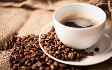 imagenes hd cafe fondo de pantalla granos de cafe taza blanca hd