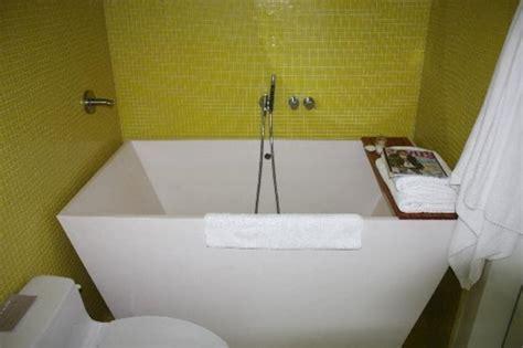 badewanne kleines bad badewanne f 252 r kleines bad 22 sch 246 ne ideen