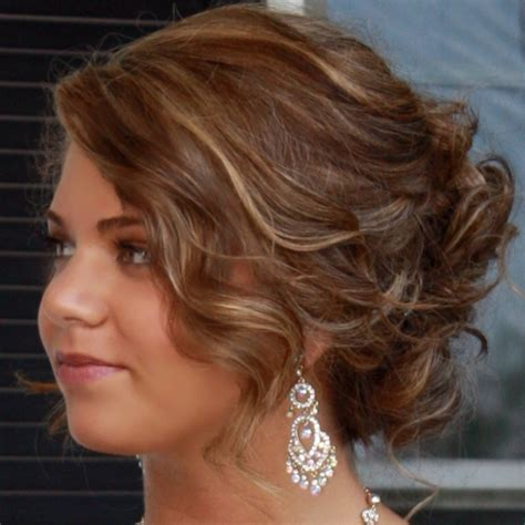 graduation dinner hairstyles 1000 images about 8th grade graduation on pinterest